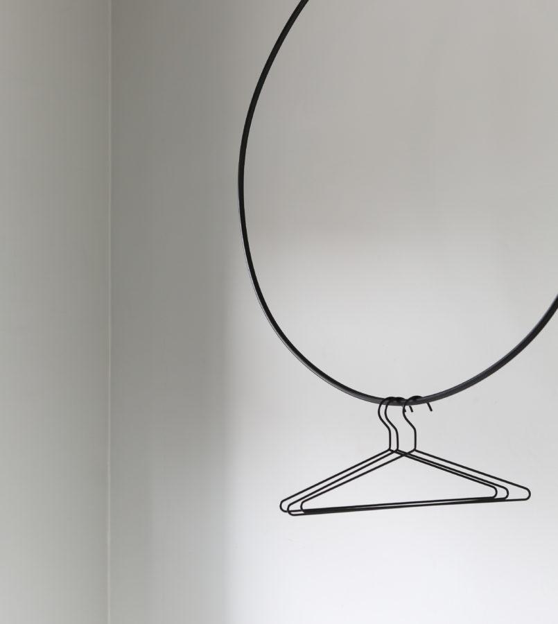 Clothing-rail-round-grande-1-805x900