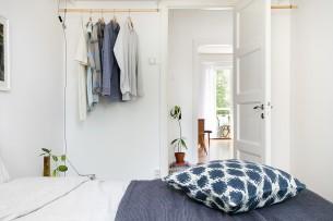 Enkel öppen klädförvaring