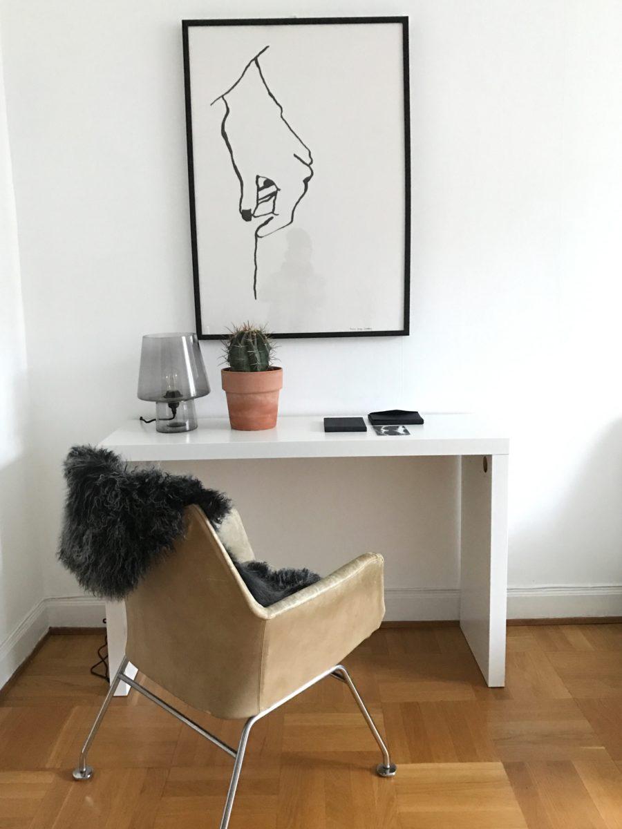 Homestyling vit inredning skrivbord