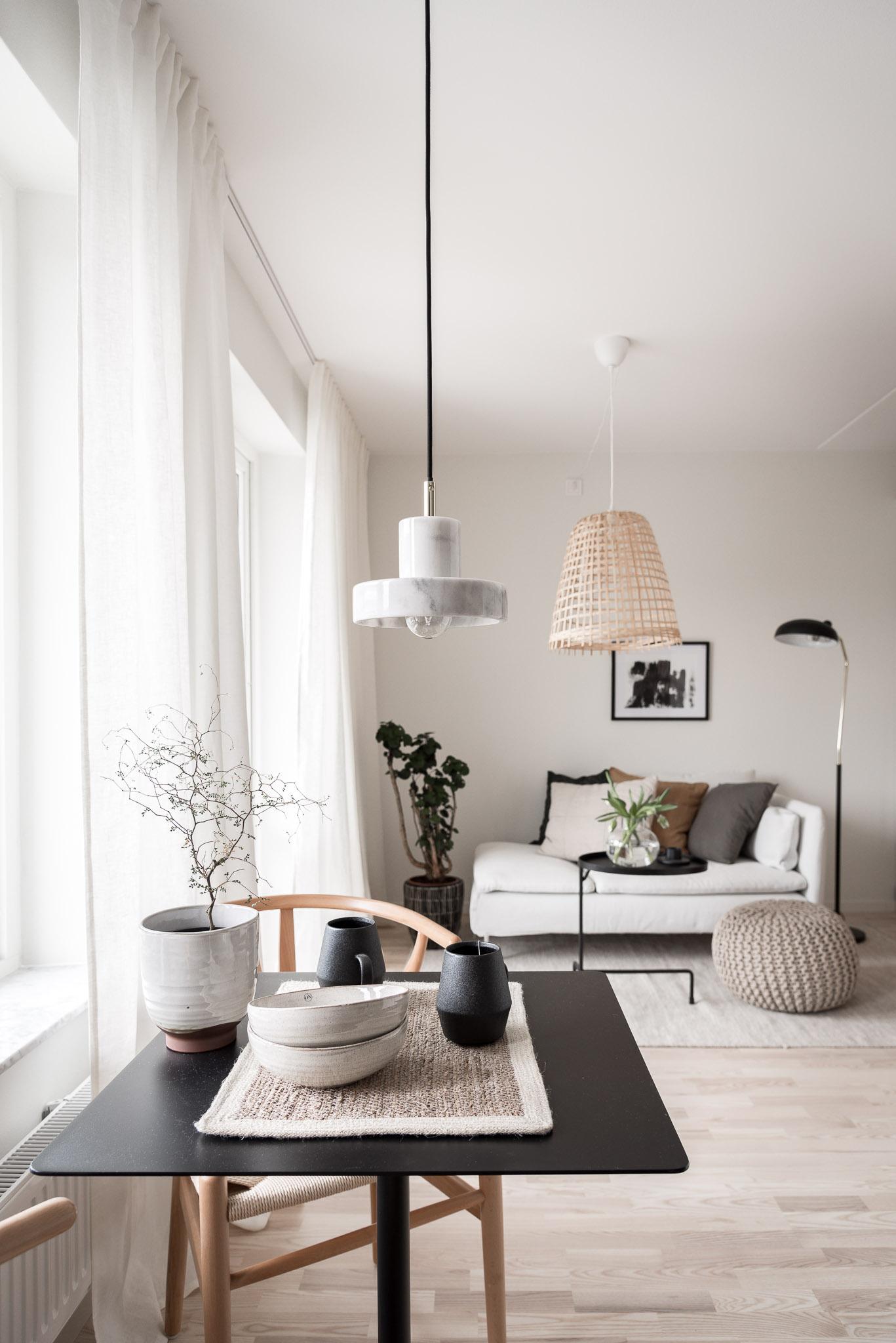 Homestyling Göteborg , Ebbe Lieberathsgata, Tom Dixon lampa, Y-stol, korglampa, Studio In